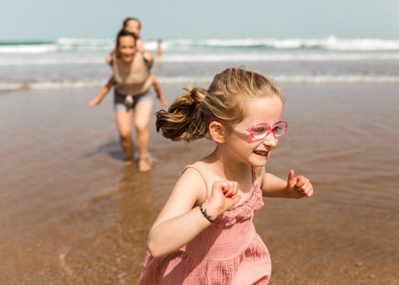 fotos de familia en bilbao - Fotografia en Familia en Exteriores en la playa